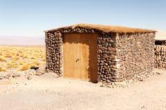 Pequeña casa en el desierto de Atacama Foto de archivo libre de regalías