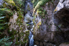 Pequeña cascada Fotografía de archivo libre de regalías