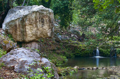 Pequeña cascada encantada Fotografía de archivo