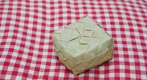 Pequeña cesta tejida Imagen de archivo