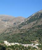 Pequeña ciudad en Crete imagen de archivo libre de regalías