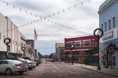 Pequeña ciudad Mississippi con las calles del ladrillo