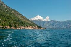 Pequeña ciudad Perast, bahía Boka Kotorska, Montenegro de Kotor fotos de archivo
