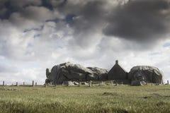 Pequeña costa costa famosa de la casa del reloj en Meneham, Bretaña Imagen de archivo