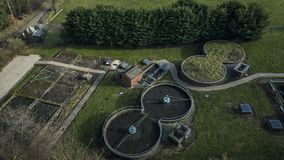Pequeña depuradora de aguas residuales en País de Gales del norte metrajes