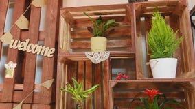 Pequeña empresa Interior moderno de la floristería Estudio, decoraciones y arreglos del diseño floral Florece entrega almacen de video