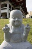 Pequeña estatua del monje imagenes de archivo