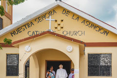 Pequeña iglesia católica en la isla del calafate de Caye en Belice imagen de archivo