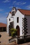 Pequeña iglesia de la piedra volcánica foto de archivo