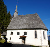 Pequeña iglesia vieja. Imagenes de archivo