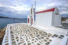 Pequeña iglesia vieja en Mykonos, islas griegas fotografía de archivo