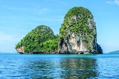 Pequeña isla de la roca Fotografía de archivo