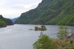 Pequeña isla en Noruega fotos de archivo libres de regalías