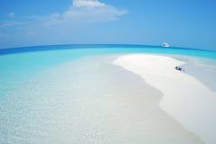 Pequeña isla tropical Fotos de archivo libres de regalías