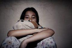 Pequeña muchacha asiática pobre Imagen de archivo libre de regalías
