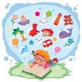 Pequeña muchacha que lee un libro y sueños de aventuras Fotografía de archivo