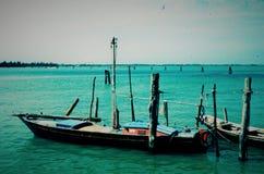 Pequeña nave en el mar adriático Italia imagen de archivo libre de regalías
