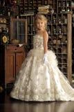 Pequeña princesa en el vestido blanco Imágenes de archivo libres de regalías