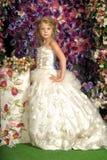 Pequeña princesa en el vestido blanco Foto de archivo libre de regalías