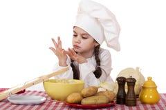 Pequeña principal cocina hermosa en el escritorio con las verduras Imágenes de archivo libres de regalías