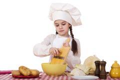 Pequeña principal cocina hermosa en el escritorio con las verduras Fotografía de archivo
