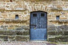 Pequeña puerta vieja Imágenes de archivo libres de regalías