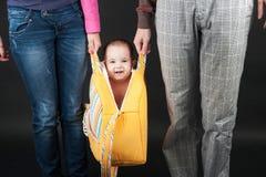 Pequeña sonrisa divertida del bebé Imagen de archivo libre de regalías
