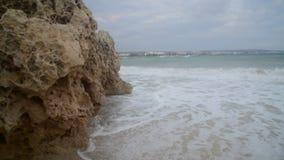 Pequeña tormenta de la costa de la isla de Chipre en Ayia Napa almacen de video