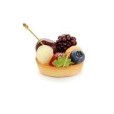Pequeña torta con las frutas Imagenes de archivo