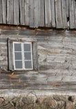 Pequeña ventana de madera Imagen de archivo