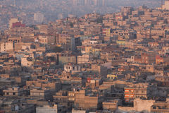 Pequeñas casas en barrio pobre Foto de archivo libre de regalías