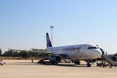 Pequeñas líneas aéreas del planeta de Airbus Foto de archivo libre de regalías