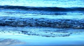 Pequeñas ondas del mar Foto de archivo