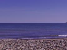 Pequeñas ondas en la playa 3496 fotos de archivo