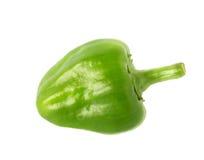 Pequeñas pimientas verdes aisladas Imagenes de archivo