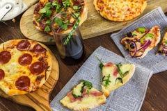 Pequeñas pizzas fotografía de archivo