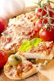 Pequeñas pizzas con pimientas Imagen de archivo