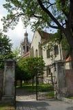 Pequeñas puerta y torre de la iglesia de San Miguel, Sopron Fotografía de archivo libre de regalías