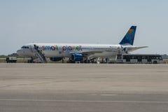 Pequeño avión de Airbus del planeta en Rodas Imagen de archivo