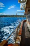 Pequeño barco de cruceros en el Mar Egeo Fotografía de archivo