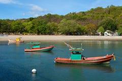 Pequeño barco de pesca. Imagenes de archivo