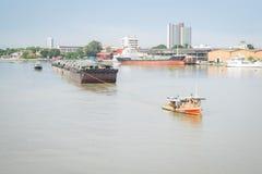 Pequeño barco del tirón remolcado Foto de archivo