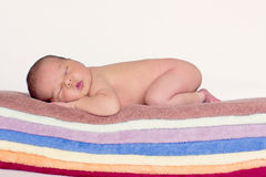 Pequeño bebé, durmiendo Fotos de archivo