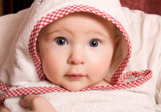 Pequeño bebé en niño imagen de archivo libre de regalías