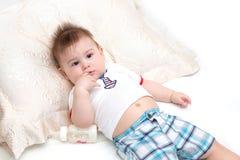 Pequeño bebé triste Fotos de archivo