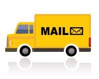 Pequeño camión amarillo con el correo de la palabra Foto de archivo libre de regalías