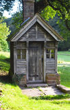 Pequeño campo de Toy House In The English con la chimenea Fotografía de archivo