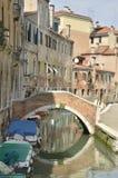 Pequeño canal en Santa Croce Fotos de archivo libres de regalías