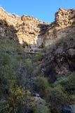 Pequeño canal para el abastecimiento de agua en Tenerife Foto de archivo libre de regalías
