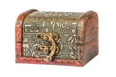 Pequeño cofre del tesoro de madera imágenes de archivo libres de regalías